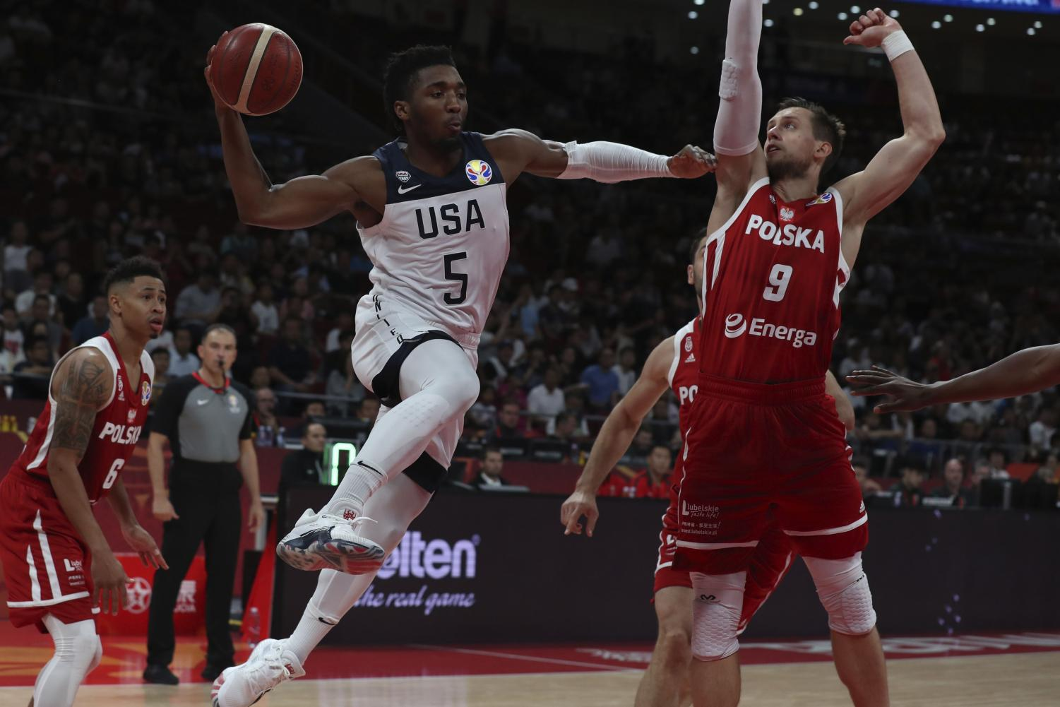 Donovan Mitchell scored 16 points contributing to the win of USA.